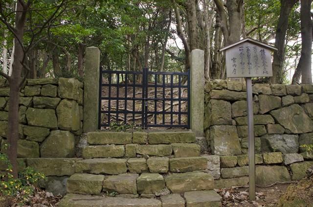 佐須陵墓参考地01